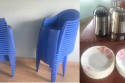 Stühle und Geschirr