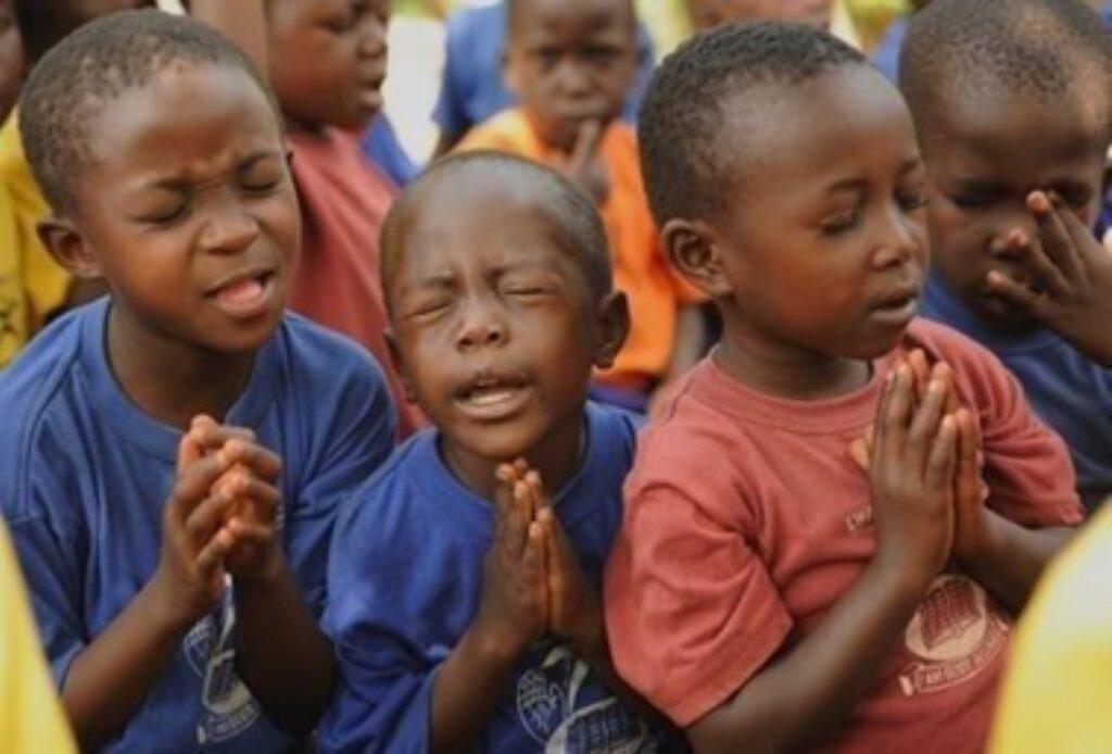 Betende Kinde