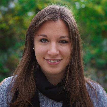 Portrait-Foto von Adina Liebi